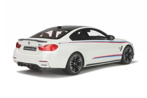BMW M4 Pack Performance