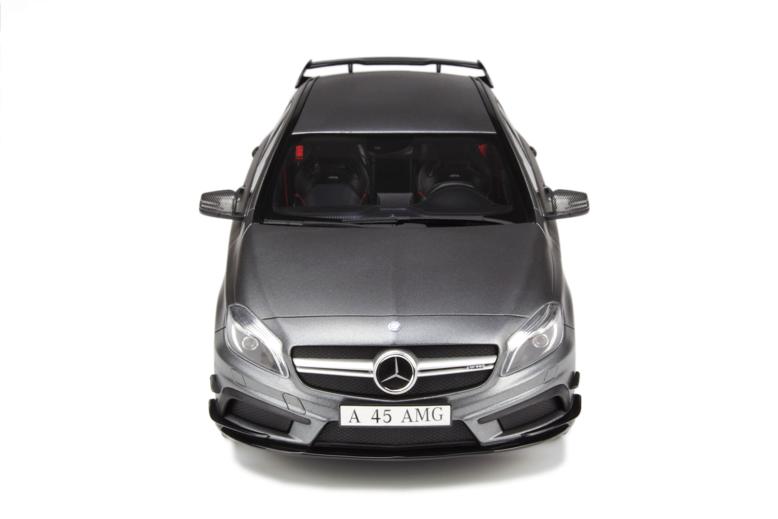 mercedes benz a45 amg voiture miniature de collection gt spirit. Black Bedroom Furniture Sets. Home Design Ideas
