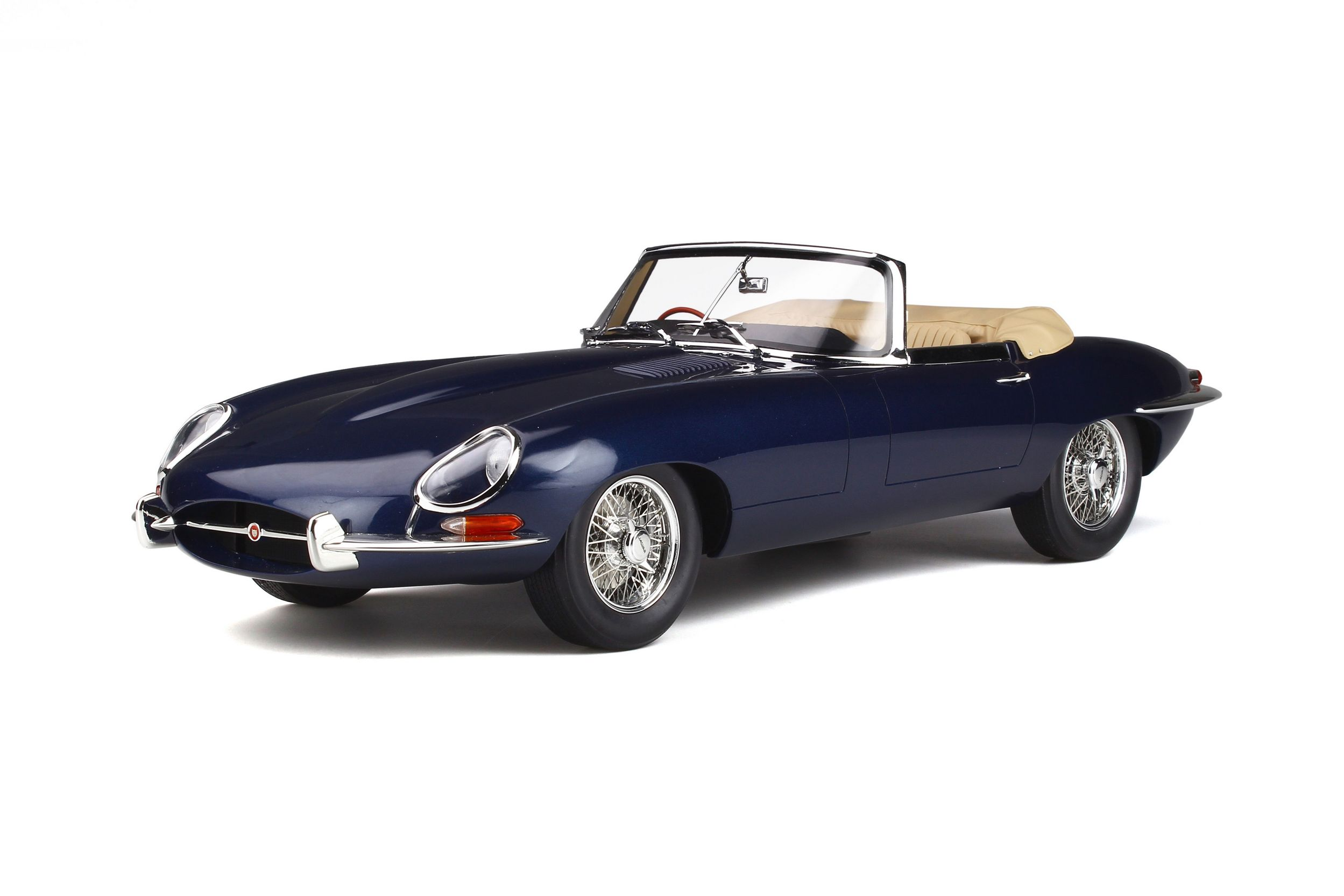 jaguar e type roadster voiture miniature de collection gt spirit. Black Bedroom Furniture Sets. Home Design Ideas